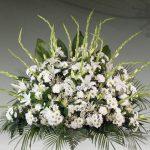 Centro floral funerario modelo A7