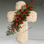 Cruz floral de claveles