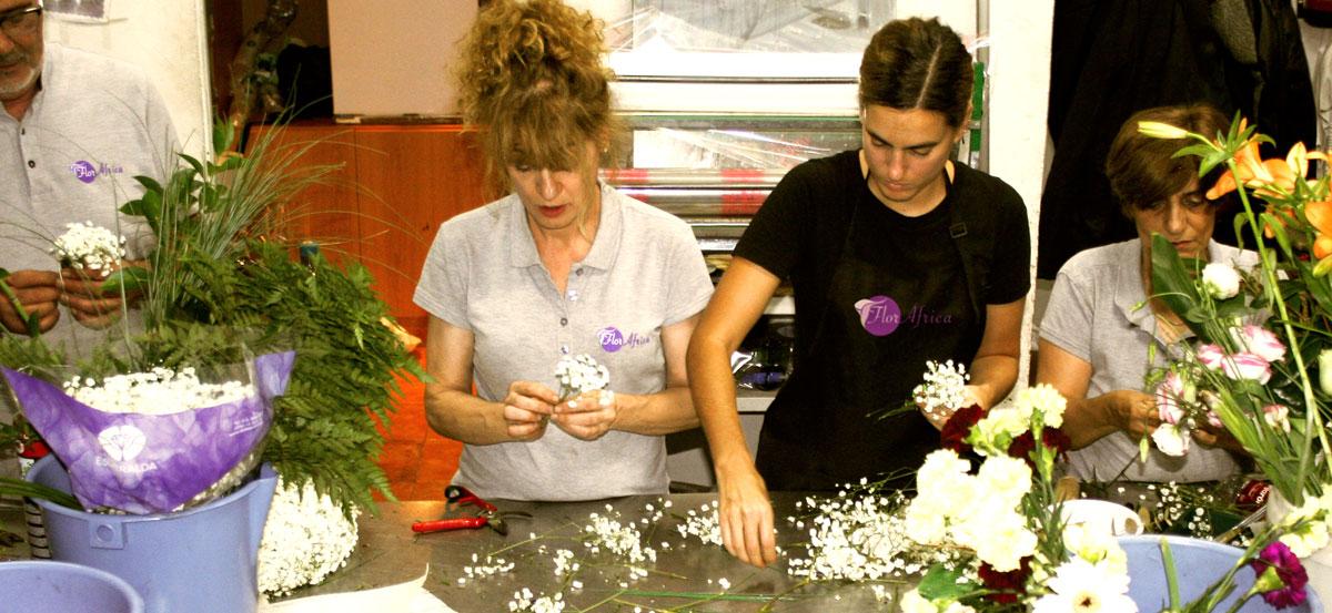 Nuestros floristas trabajando