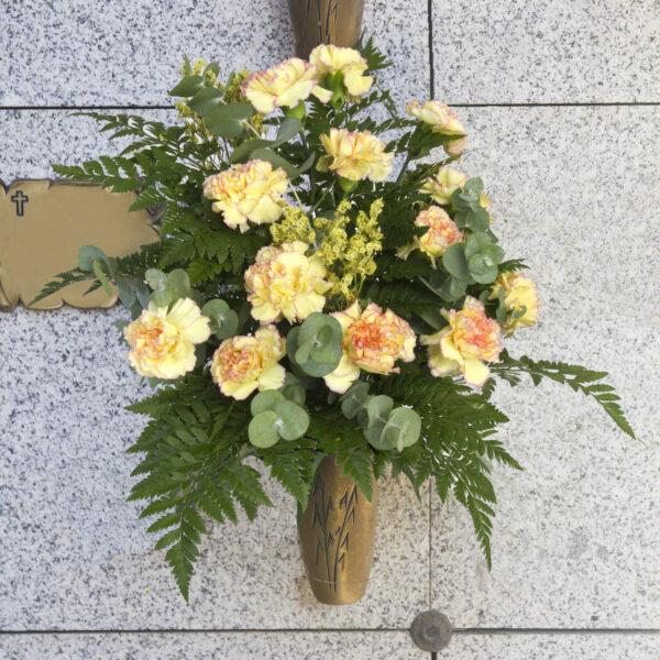 Envío y colocación de flores en cualquier cementerio de Madrid